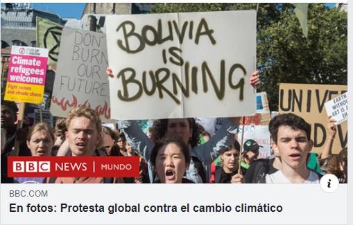 """La foto de una protesta en Londres donde se muestra un cartel que dice """"Bolivia se está quemando"""" es verdadera"""