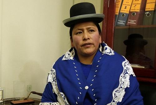 Verdadero que Virginia Velasco renuncia a su candidatura