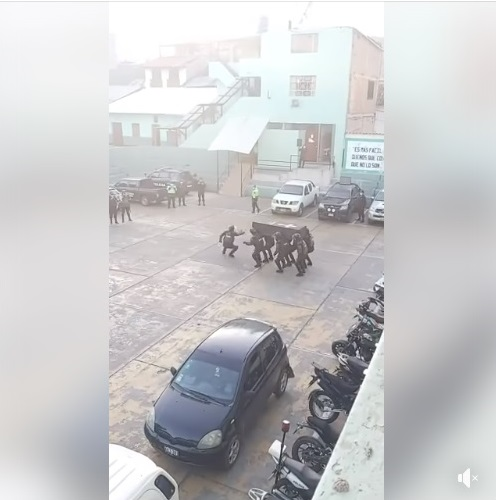 El video de policías bailando «Astronomía» no fue grabado en Bolivia