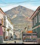 Alteran imagen de una calle turística en Potosí