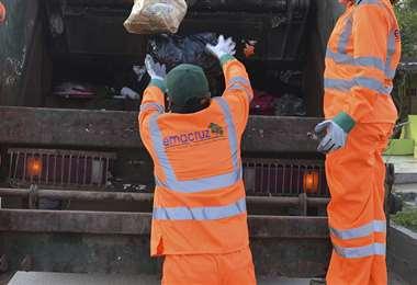 Iniciativa de listón rojo para basura de personas contagiadas no es en Bolivia, pero es buena idea
