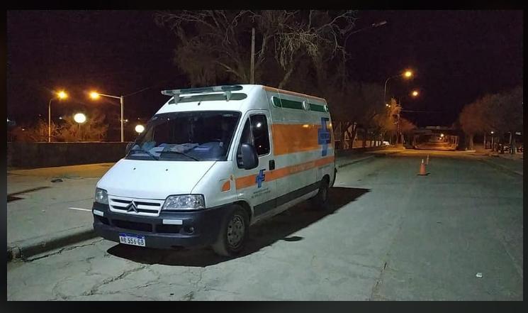 Verdadero: Funcionarios retuvieron en la frontera a una ambulancia y un médico que iba a socorrer a su padre