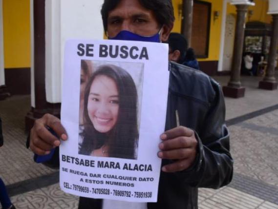 Reportan como desaparecida a Betsabé