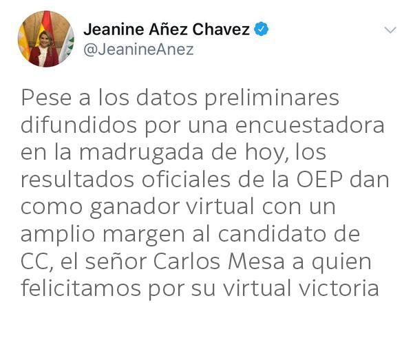 Tuit falso: Áñez no afirmó que Carlos Mesa ganó la elección