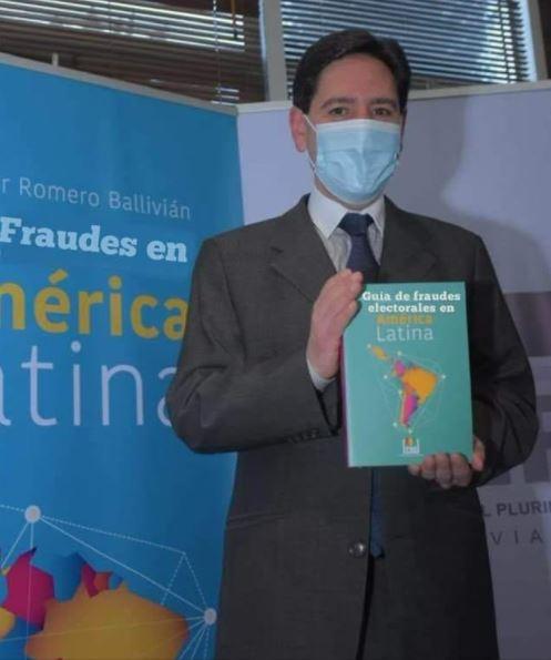 Falso, Salvador Romero no presentó un libro sobre fraudes electorales